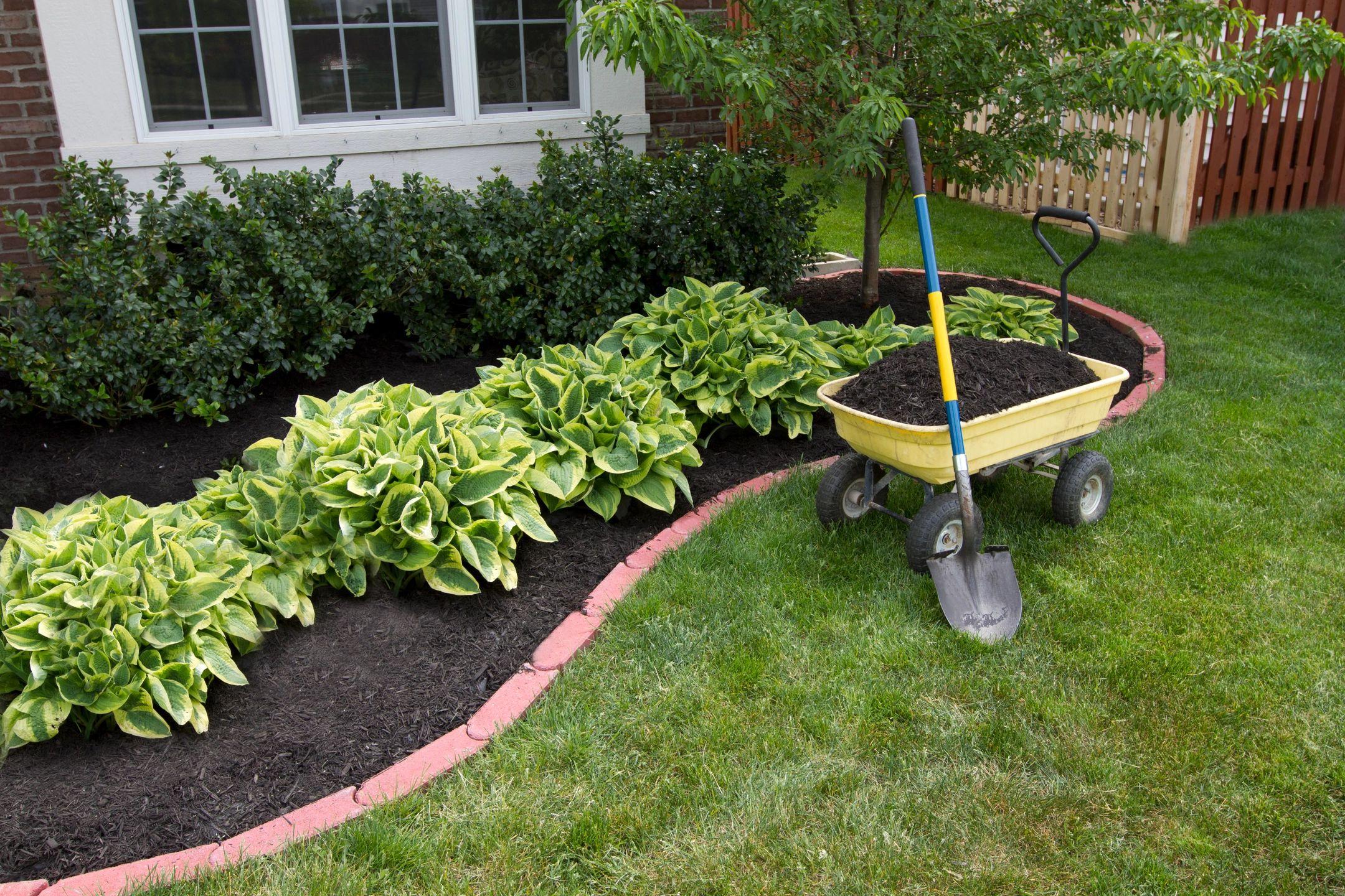 Landscaping-Mulching-Planting